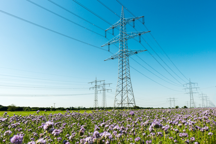 Wireless electric power distribution in Texas might become a reality.