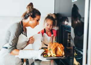 Cooking Thanksgiving dinner for family and friends shouldn't spike your Texas electric prices. Check out our money saving tips!